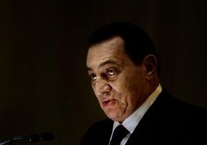 Источник: Мубарак чувствует себя плохо и хочет умереть в Шарм-эль-Шейхе