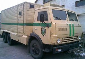На Прикарпатье инкассатор выстрелил в коллегу при чистке оружия