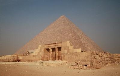 Трех немцев осудили за разграбление пирамиды Хеопса