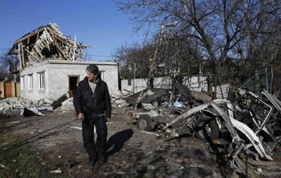 В Донецке утром вновь слышны залпы, повреждены жилые дома