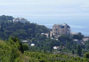 В интернете появились фото крымского дворца Медведчука