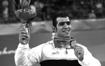 В тюрьме покончил жизнь самоубийством чемпион Азии по борьбе