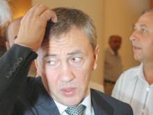 Черновецкий перенес пресс-конференцию из-за травмы