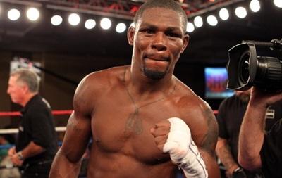 Чемпіону світу з боксу загрожує 26 років в язниці за стрілянину в своєму будинку