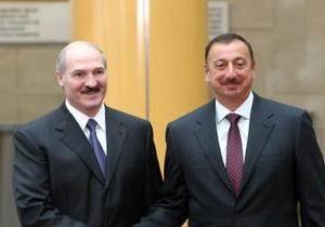 Януковича поздравили Лукашенко и Алиев