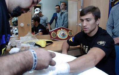 Рентген-обследование руки Ломаченко не показало перелома