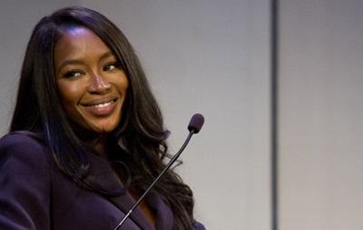 Наоми Кэмпбелл открыла благотворительный магазин для борьбы с Эболой