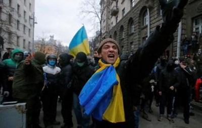 На Майдане протестующие требовали отставки Яремы