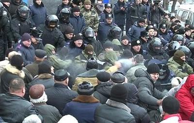 Во время винницких беспорядков пострадали 13 человек