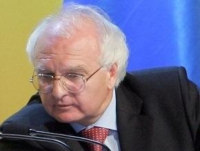 Вакарчук назвал странным предложение Яценюка проводить тесты в Крыму на русском языке