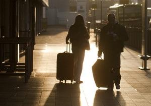 В США задержали стюардессу, пытавшуюся пронести на борт самолета пистолет