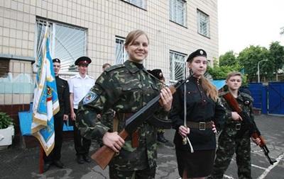 Яценюк хочет воспитывать патриотов с детского сада