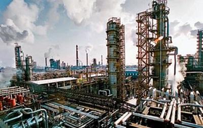 Руководство ОНПЗ пытается не допустить выкачки нефти вооруженными людьми