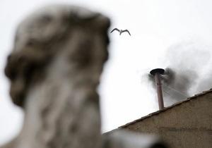 Фотогалерея: Внимание на дым. Мир замер в ожидании результатов конклава