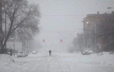 У Торонто снігопад став причиною 200 ДТП та скасування понад сотні авіарейсів