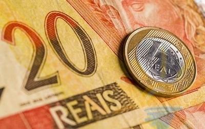 Бразильський реал знецінився до долара до значень 2005 року