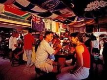 В Греции 21 турист арестован за соревнования по оральному сексу