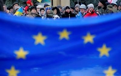 Совет ЕС-Украина выступил за безвизовый режим для краткосрочных поездок