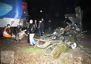 Под Киевом машину скорой помощи раздавил поезд