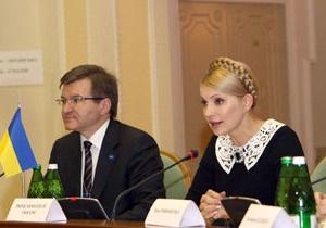 Немыря: Отказ Януковича от дебатов демонстрирует неуважение к украинцам