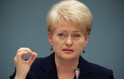Президент Литви відмовилася їхати до Москви на День перемоги