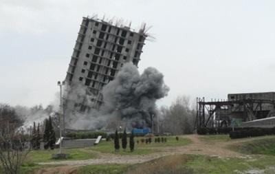 Недобудовану багатоповерхівку в Севастополі знесли лише з третьої спроби