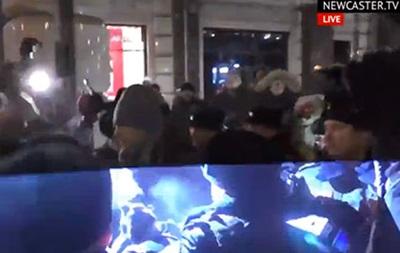 В Москве начался митинг: Навального снова задержали
