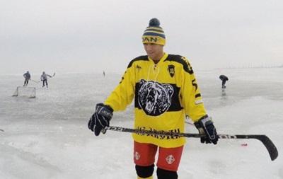 Ломаченко відкрив для себе хокейний сезон