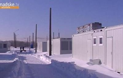 Півтисячі біженців не можуть заселитися в готове модульне містечко