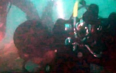 Обнародовано видео найденных на дне моря обломков самолета AirAsia