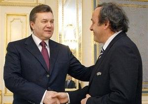 Янукович пообещал Платини  включить полную скорость и наверстывать на виражах