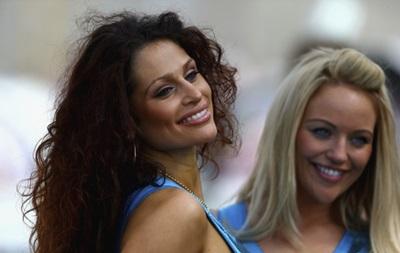 Фотогалерея: Спортивные кадры недели: Красотки на автогонках и Шарапова с коалой
