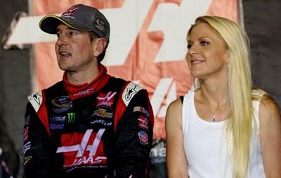 Відомий гонщик заявив, що його екс-дівчина є найманою вбивцею