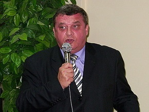 Суд постановил предоставить одному из лидеров Русской общины Крыма бесплатную квартиру в Киеве