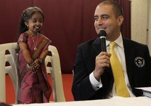 Фотогалерея: Крошка Амге. Самая маленькая женщина в мире
