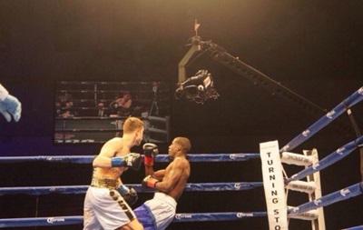Украинец Шелестюк нокаутировал соперника в первом раунде
