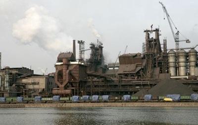 Ахметов скорочує роботу підприємств у Маріуполі