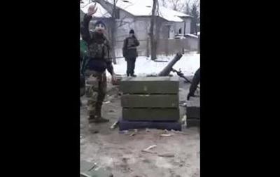 Чеченці зняли на відео, як стріляють з мінометів на Донбасі