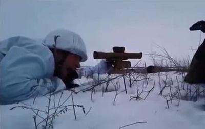 Один день войны. Бойцы Азова сняли репортаж с передовой