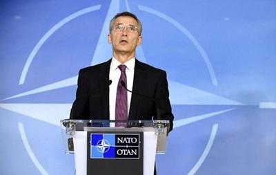 НАТО: Росія збільшила кількість танків та артилерії на Донбасі