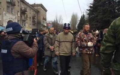 Захарченко водил по улицам Донецка колонну пленных силовиков