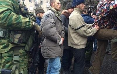 Глава ДНР обещает отдать приказ не брать пленных