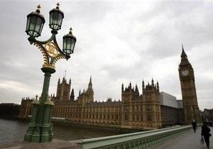 В Британии троих депутатов обвинили в незаконной лоббистской деятельности