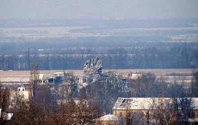 Силы АТО отошли от аэропорта Донецка на полтора километра