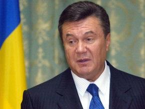 Янукович: Тимошенко всегда создает проблемы, а потом имитирует бурную деятельность - УП