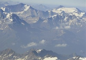 Снежная блокада в Альпах: французские спасатели освободили троих украинцев