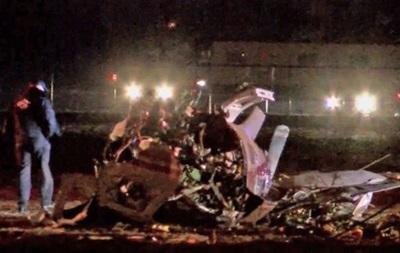 В США одномоторный самолет врезался в телебашню, пилот погиб