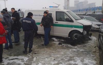 В Киеве на Броварском проспекте крупное ДТП, есть погибший