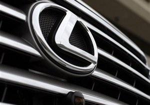В Харьковской области инспекторы ГАИ остановили Lexus с оружием