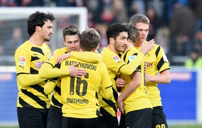 Дортмундская Боруссия выбралась со дна турнирной таблицы бундеслиги